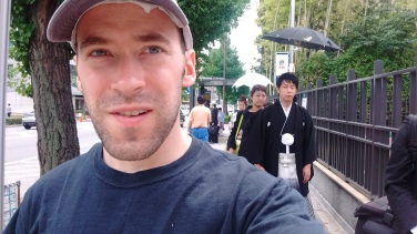 I walked ahead and took a selfie to discreetly get a look at him. Now that I can see how he's looking directly at my camera, I guess it wasn't so discreet.